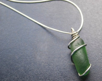 Green Sea Glass Necklace Pendant. 1014