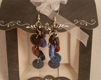Adorable Vintage Button Dangle Earrings