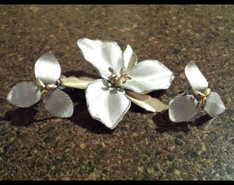 Gorgeous, Vintage Bond Boyd Brooch and Earrings Set.