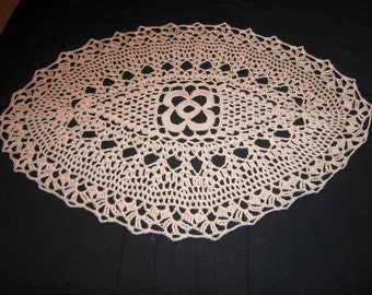 Crocheted Doilies pink, oval