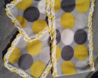 Fleece scarf with crochet edge