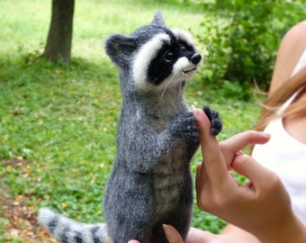 Needle felted Felted Animal Felt doll Figurines sculpture Raccoon animal Handmade animal Raccoon gift Raccoon Raccoon totem Felted miniature