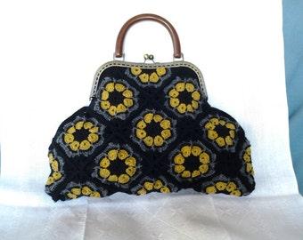 Crocheted bag / handmade / 100% pure new wool / ready to ship