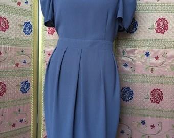 Light gray dress. Viscose crepe. To the knee. TG 40-42