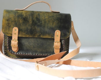 Leather bag made entirely by hand