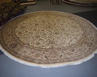 High Quality Pak-Persian 10' Round rug