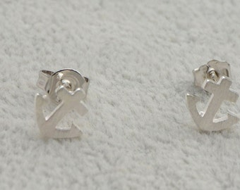 Little Anchor Stud Earrings in Sterling Silver with Textured Finish