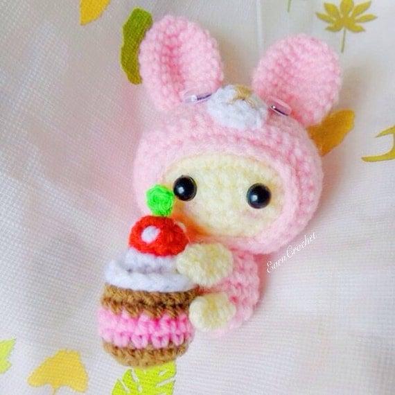 Amigurumi Mini Bunny : Amigurumi crochet doll mini bunny and cake keychainbag