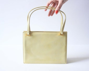 Vintage 1960's Rayne Dusty Yellow Patent Leather Handbag - Excellent Condition - Purse