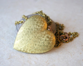 Large Brass Vintage Heart Locket Necklace - Locket Necklace - large vintage locket - vintage chain - heart jewelry - boho chic