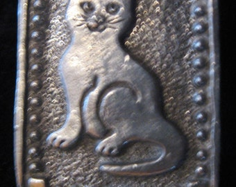 Pewter kitty CAT pin pendant brooch signed E Vincent 1989 old store stock folk art rare collectible