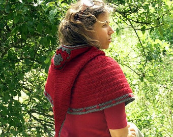 Jehanne hooded capelet - PDF crochet pattern - Long goblin pixie hood capelet / poncho - Permission to sell
