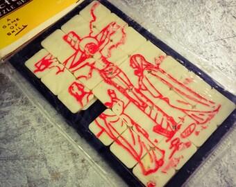 VINTAGE RELIGIOUS PUZZLE 1960s Crucifixion Plastic Toy