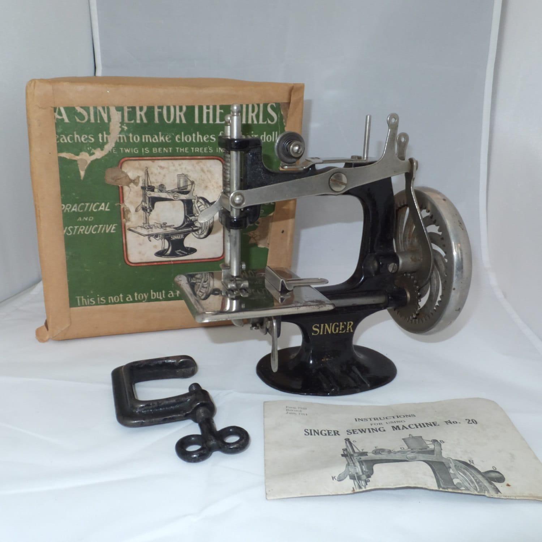 antique mini singer sewing machine