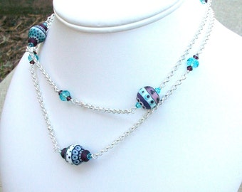 Lampwork and Swarovski Crystal Beaded Necklace   handmade  srajd chic  trend