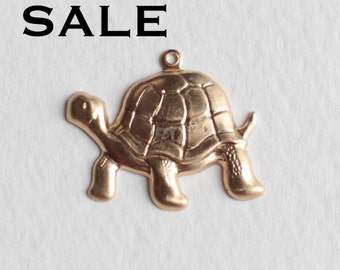 Brass Turtle Charms - Left Facing (6X) (V465) SALE - 25% off