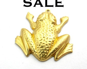 Raw Brass Frog Charms (2X) (M547) SALE - 25% off