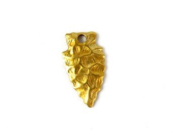 Brass Arrowhead Charms (6X) (V136)