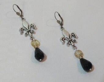 Black and Gold Fleur De Lis Dangle Earrings