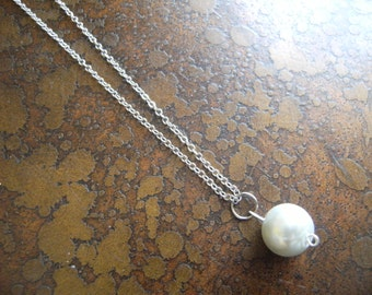 Pure Innocence Drop Glass Pearl Antique necklace