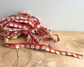 Daisy Flower Trim, 2 Yards Red Vintage Sewing Trim, Cute Floral Trim, Woven Ribbon for Sewing