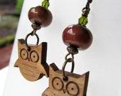 Owl Wood Silhouette and Fern Green Swarovski Crystal Niobium Earrings