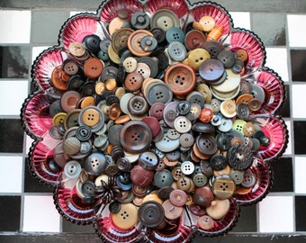 Buttons - Supplies - Vintage Button Lot, pound of buttons, bulk buttons, bulk button lot, ugly buttons, craft buttons, brown buttons, grey