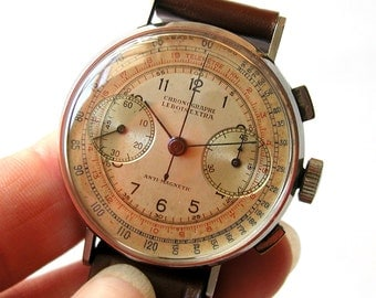 Chronographe Lebois Extra vintage wristwatch from the 1930s - 1940s
