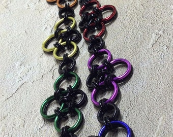 chainmaille black color necklace -Reversible color circles