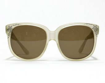 Emmanuelle Khanh 8080 vintage sunglasses in NOS condition