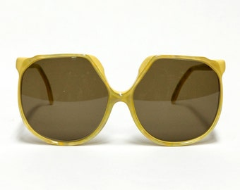 PIERRE TOTO yellow Oversized Vintage Sunglasses, women's designer sunglasses in unworn New Old Stock condition