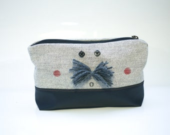 Mr. Moustache pouch in black