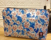 "17"" Laptop Case, Light Blue Floral Oil Cloth Laptop Sleeve, Oil Cloth File Holder, Envelope Oil Cloth Clutch Case"