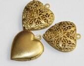 20 pcs of Raw Brass filigree Heart Locket Pendant 20x20mm, puff heart locket, texture back , locket pendant, filigree pendant