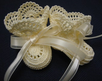 Christening Baby Shoes, Christening Crochet Baby Girl Newborn Cream Antique Lace