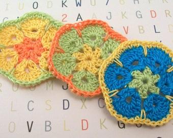 Crochet Flowers in Wasabi Melon Parakeet