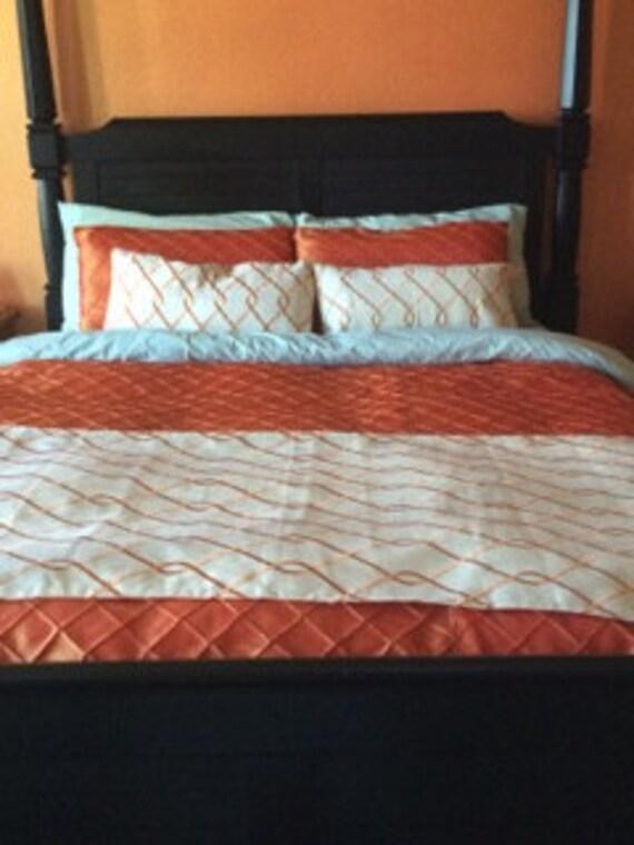 Full Queen Suburban Home Orange Trellis Lined Bed Runner And