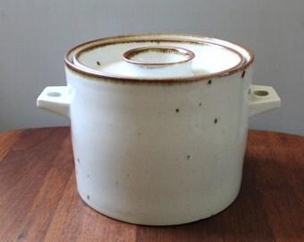 Dansk Brown Mist Denmark 1.75 Quart Round Covered Casserole, 1970s stoneware.