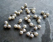 Pearl Charm-Triple Pearl-White Pearl Beads-Beaded Charm-Bridesmaid Charm-Vintage Triple White Lucite Pearl Charms-12 Beads