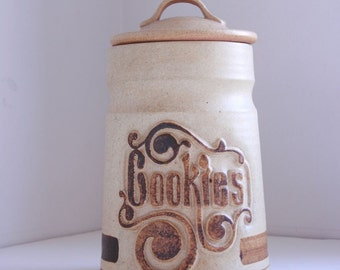 Vintage pottery craft ceramic canister cookies eighties typoghrapy