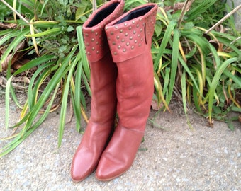 Vintage 70s 80s Chestnut Brown Tall Leather Heeled Studded Boots / Sz 5