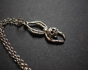 deadly spider skull necklace