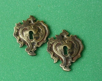 Ornate Vintage Brass Keyhole Key Hole Cover Covers Escutcheons Steampunk Jewelry Ornate DIY Jewelry Keyhole Cover