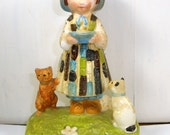 Vintage Holly Hobby Figurine, Be Glad You're You That's a Nice Thing To Be, Friendship, Little Girl, Cats, 1974  (66-15)