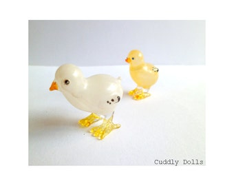 2 Tiny Little Chick  Small Miniature Glass Animal Figurine Statue Countryside Farm Animal
