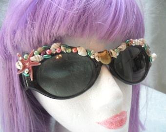 50% OFF - SUNGLASSES - Summer beach Glamourus Reworked - Adorned Sunglasses - Seashells