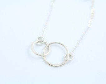 Circles Necklace - Minimal Delicate Chain Necklace - Mom and Baby Necklace - Mother's Day Gift For Mom - Sterling Silver Necklace - Charm