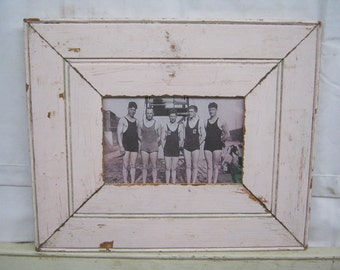 RECLAIMED WOOD Picture Frame 4x6 Shabby Pink Recycled CHIC s2255-14