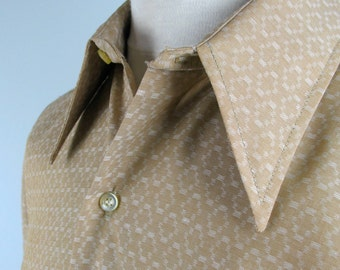 Vintage 70s Mens Mod Shirt by Fruit of the Loom with pointy collar