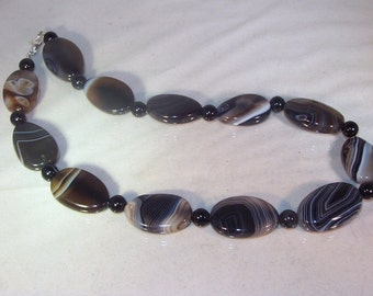 Gemstone Jewelry - Banded Black Agate - Necklace